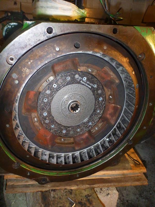 Changement de l'embrayage D25.2 F2L812 P1080916