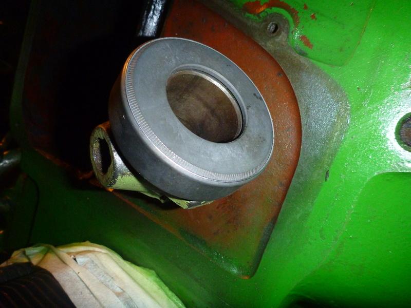 Changement de l'embrayage D25.2 F2L812 P1080918