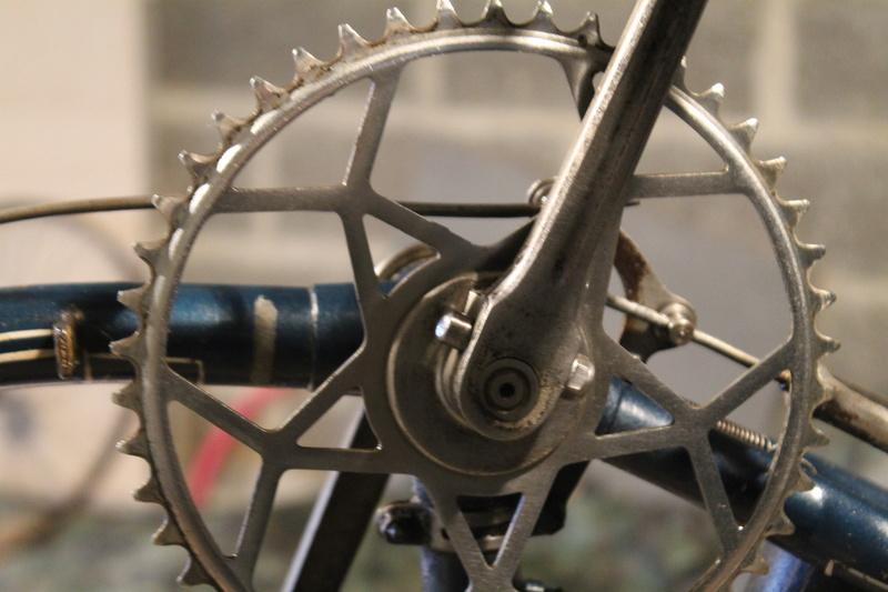 Restauration d'un vélo civil des années 1930  Img_4918