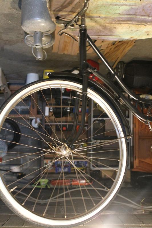 Restauration d'un vélo civil des années 1930  Img_4921