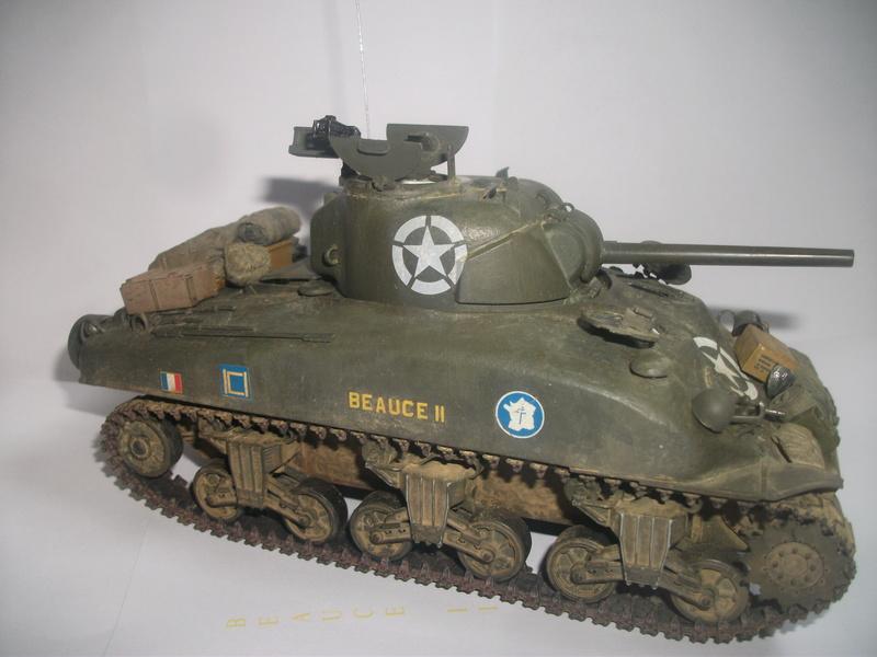 Sherman M4A1 ( 75 ) 2eme DB 1/35 00110
