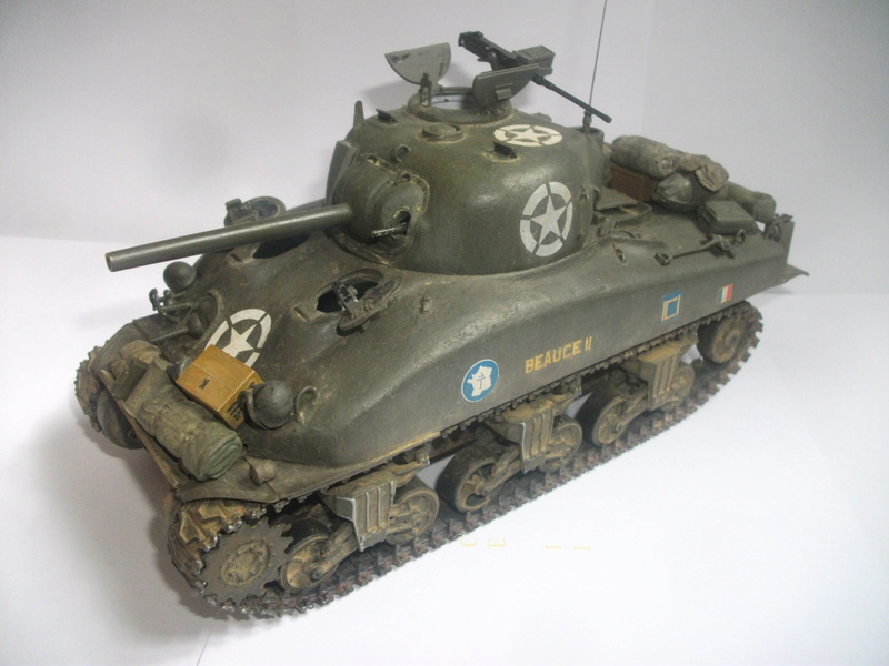 Sherman M4A1 ( 75 ) 2eme DB 1/35 00310