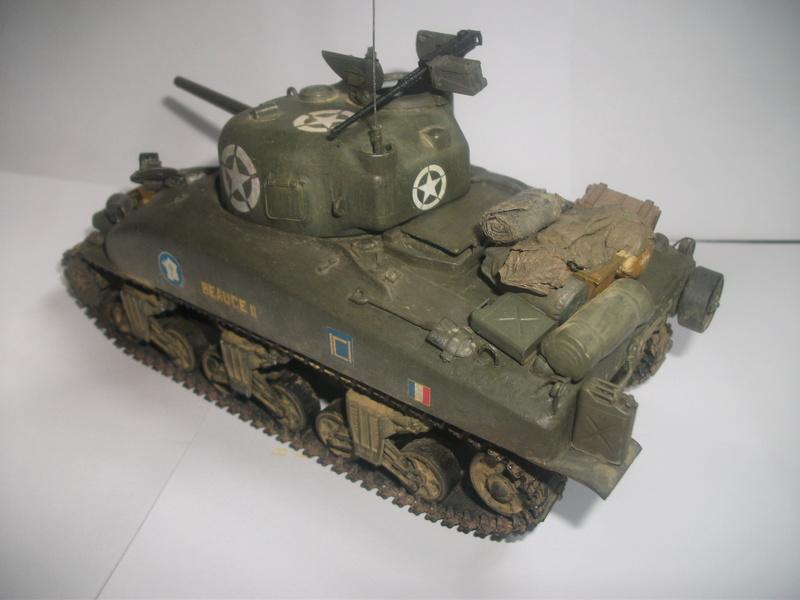 Sherman M4A1 ( 75 ) 2eme DB 1/35 00410
