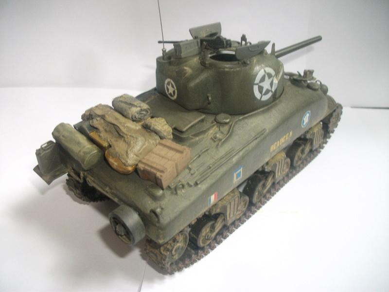 Sherman M4A1 ( 75 ) 2eme DB 1/35 00510