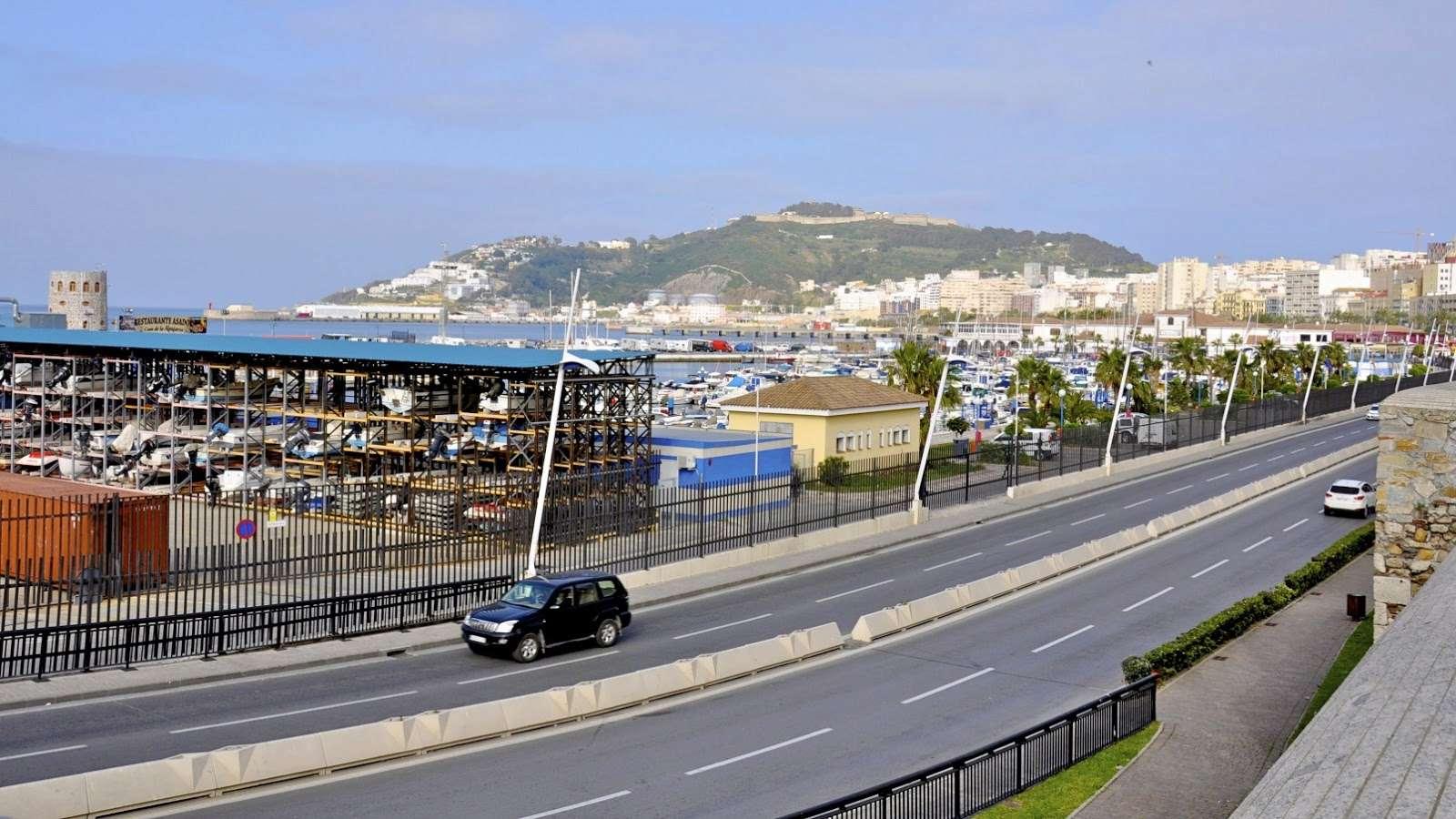 Ceuta - Página 3 Dsc_0010