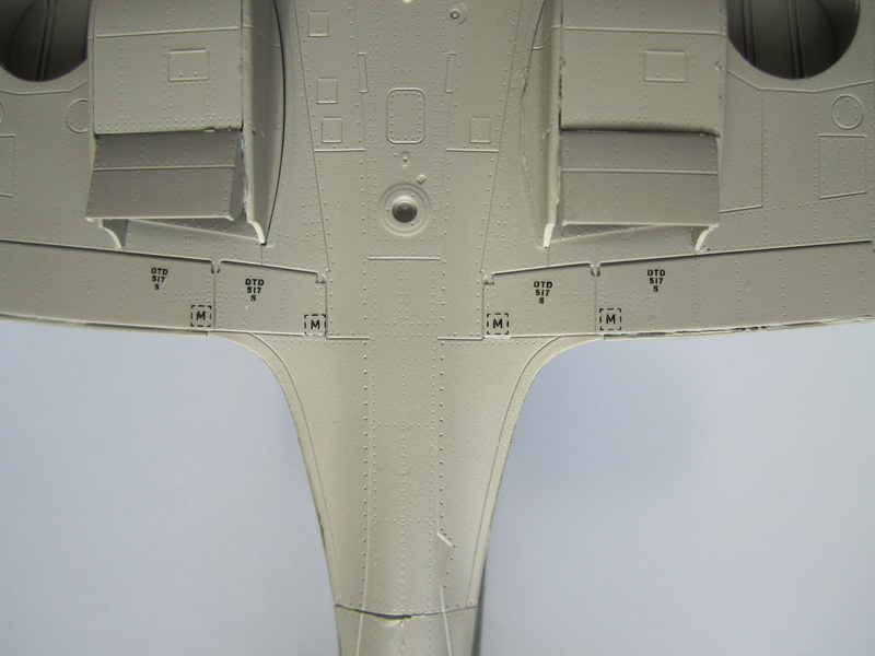 Supermarine Spitfire MK IX C 1/48 Eduard - Page 2 Img_2240