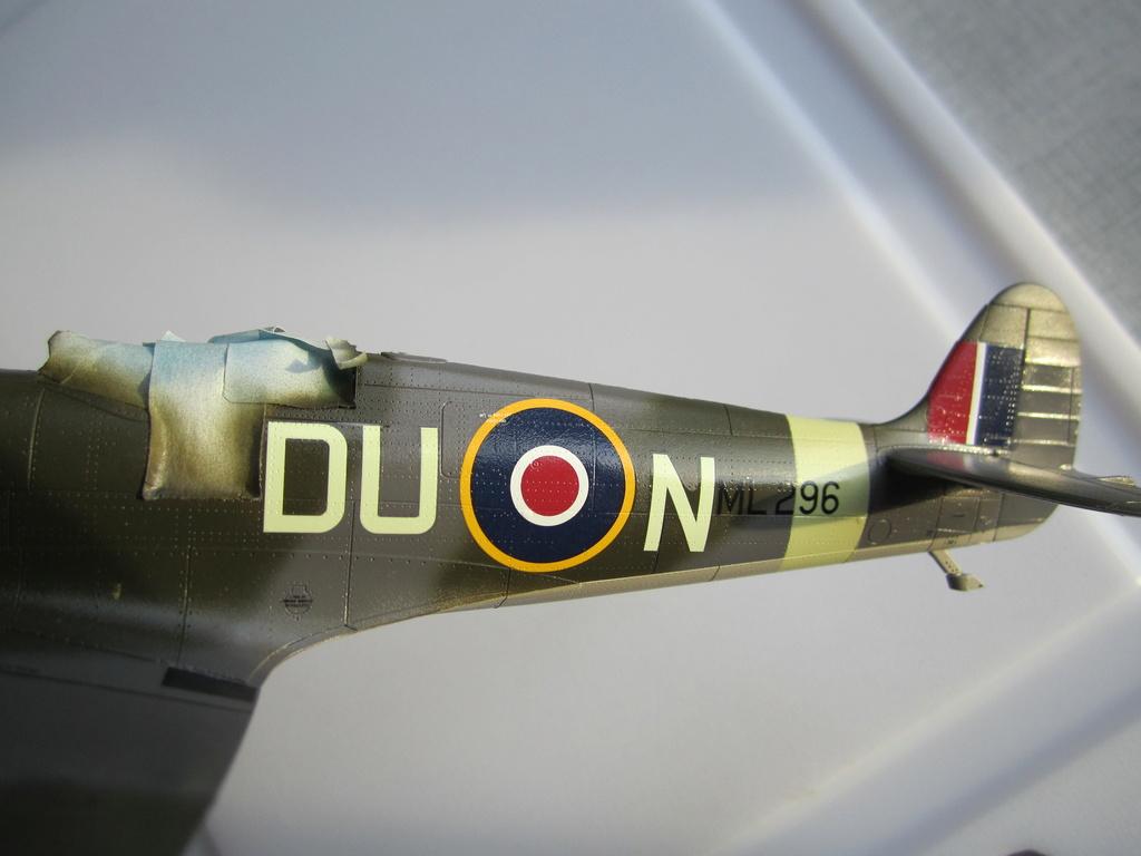 Supermarine Spitfire MK IX C 1/48 Eduard - Page 2 Img_2260