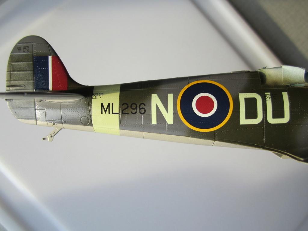 Supermarine Spitfire MK IX C 1/48 Eduard - Page 2 Img_2261