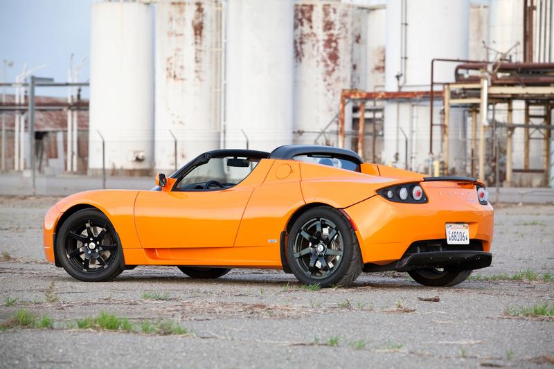 Tesla Roadster 02-liv10