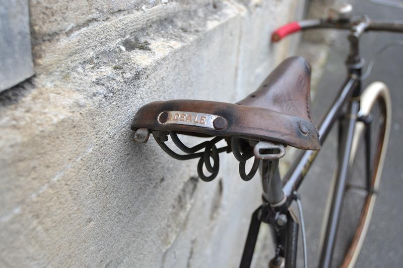 Cadre Peugeot de 1939 devenu véritable bicyclette - Page 2 Dsc_0124