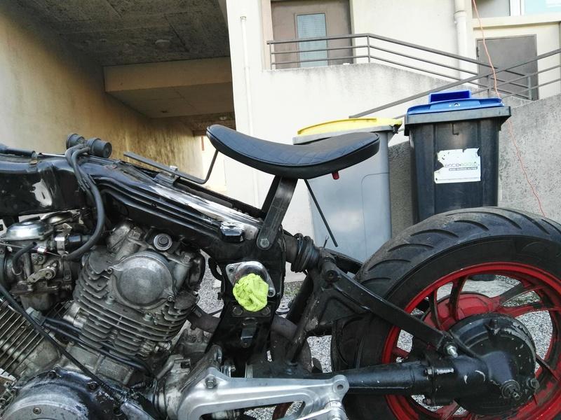 XV 750 SE >> XV 1100 Virago Cafe racer - Page 2 Img_2025