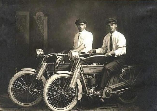 NOSTALGIA vieilles photos d'époque - Page 3 Harley10