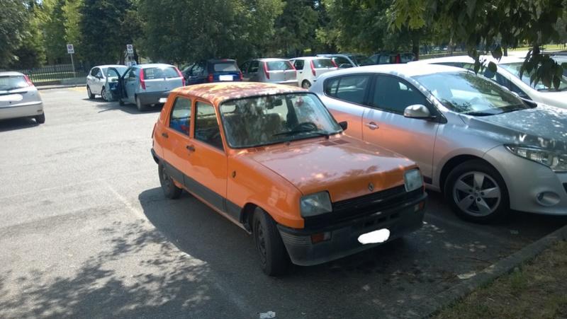 avvistamenti auto storiche - Pagina 2 Renaul11