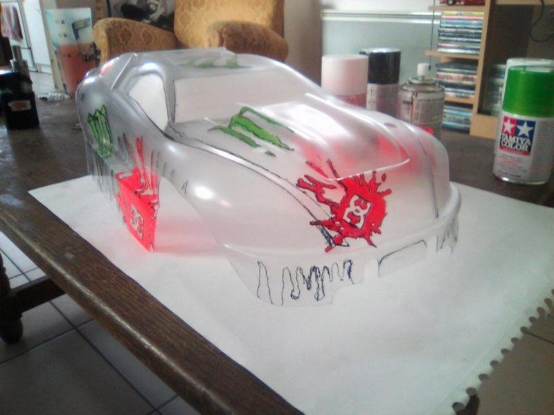 carrosserie E-REVO en cours de peinture 16710512