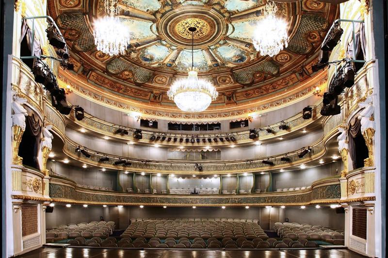 Marie-Antoinette intime, au Théâtre Montansier - Page 2 Decouv10