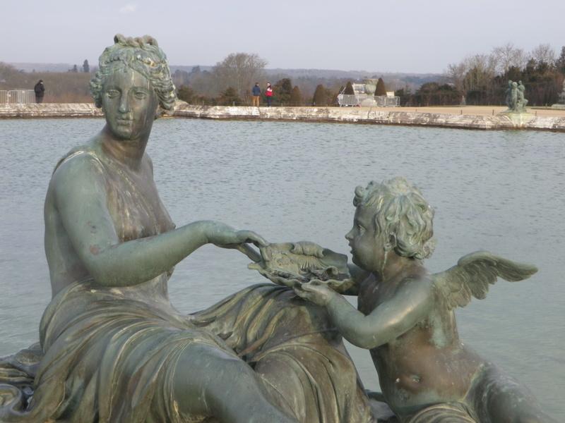 La symbolique solaire dans les jardins du château de Versailles Imgp5834