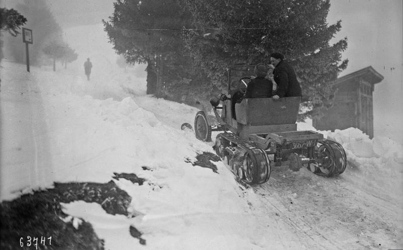 Concours de chars de montagne  au Mont Revard 11115