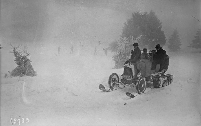 Concours de chars de montagne  au Mont Revard 1927