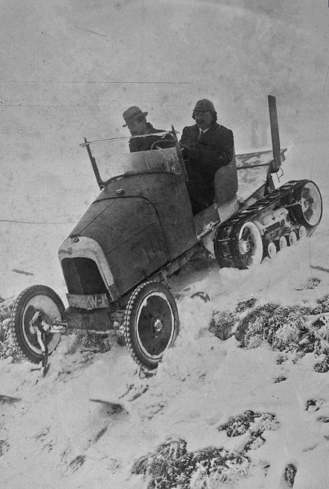 Concours de chars de montagne  au Mont Revard 22101