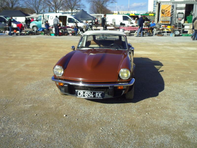 Salon Auto Moto Prestige à Nîmes les 4 et 5 Février 2017 - Page 3 Imgp8288