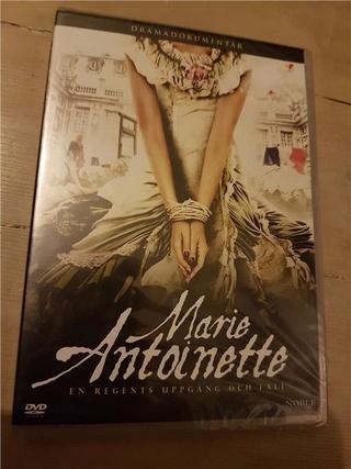 Marie-Antoinette à travers le cinéma - Page 18 23877810