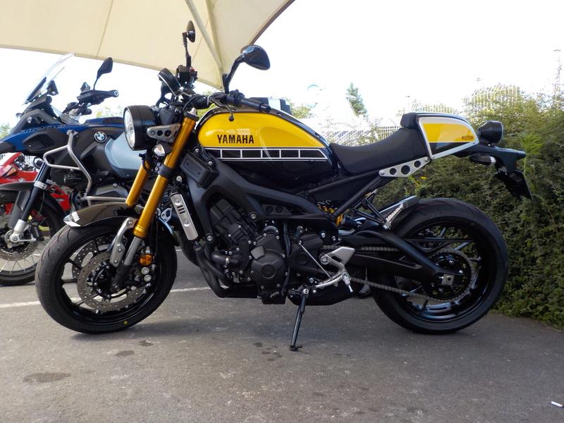 Photos de toutes les Yamaha XSR 900 du forum ! :) Dscn2210