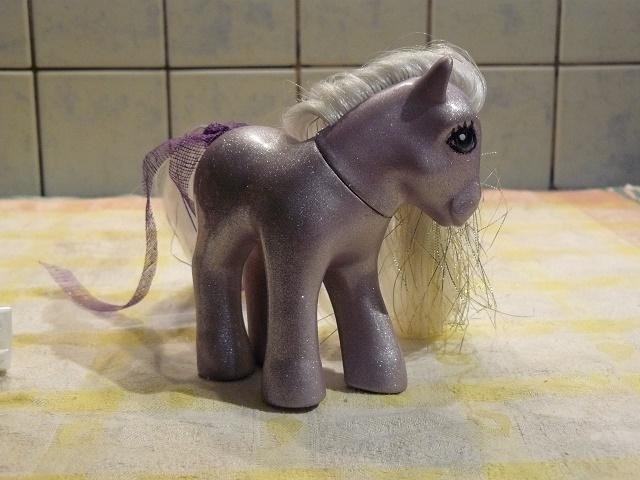 Mes customisations de poneys G1 - Page 3 P1110961
