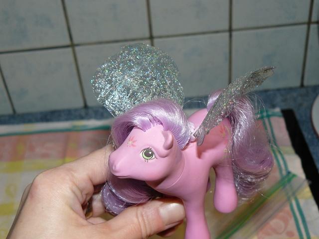 [PHOTOS] Idées d'ailes pour les Flutter Ponies : mes essais ! P1120052