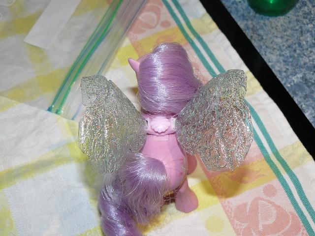 [PHOTOS] Idées d'ailes pour les Flutter Ponies : mes essais ! P1120055