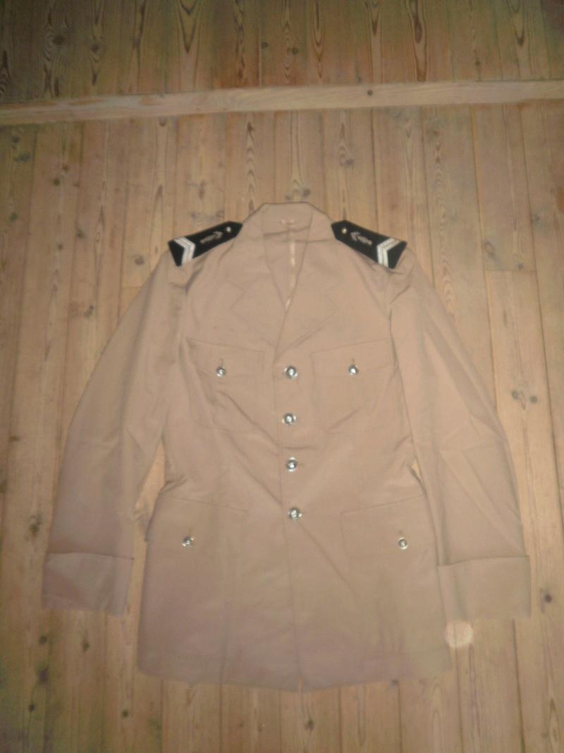 Vestes Gendarmerie différentes époques P6300017