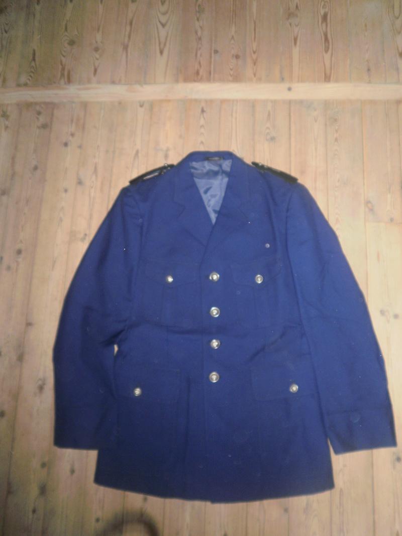 Vestes Gendarmerie différentes époques P6300022