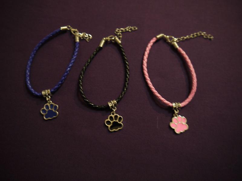 Patte / Paw bracelet   P1110110