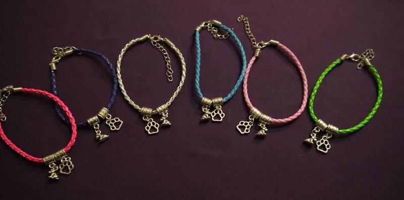 Paw and dog/ patte et chien  bracelet P1110112