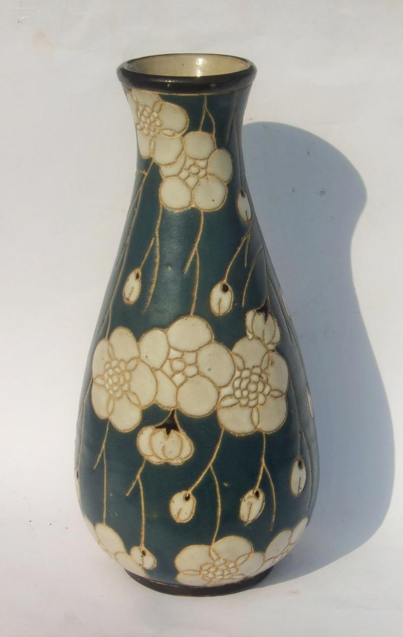 ID for Art Nouveau style incised decoration vase Nou210