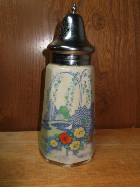 Mystery hand painted sugar sifter -staff? Ss211