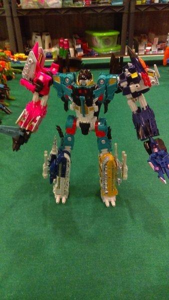 Jouets Transformers Generations: Nouveautés Hasbro - partie 2 - Page 39 Liokai16