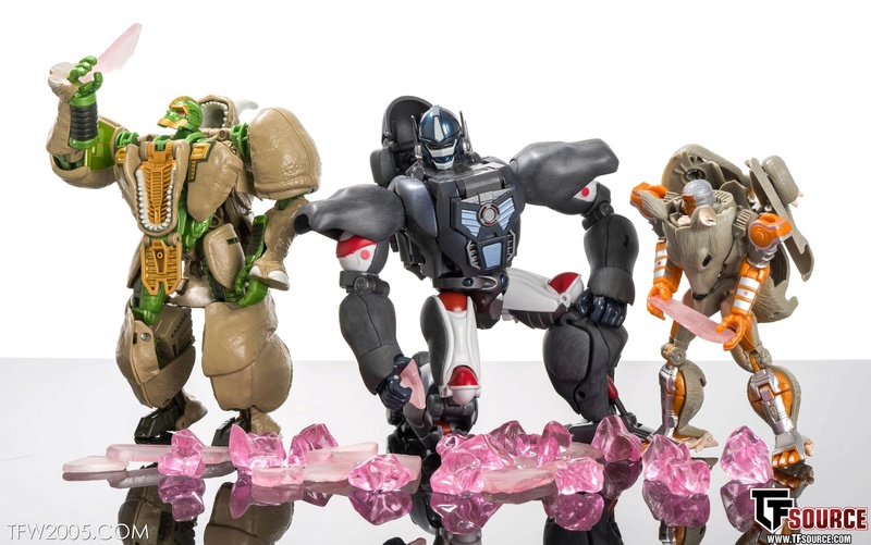 [Masterpiece] MP-32, MP-38 Optimus Primal et MP-38+ Burning Convoy (Beast Wars) - Page 3 Master32