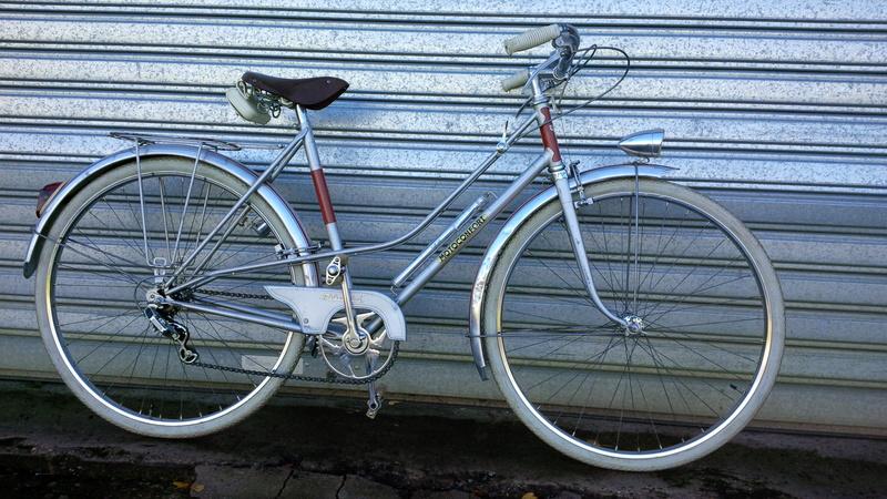 Motoconfort gris & rouge Img_2010