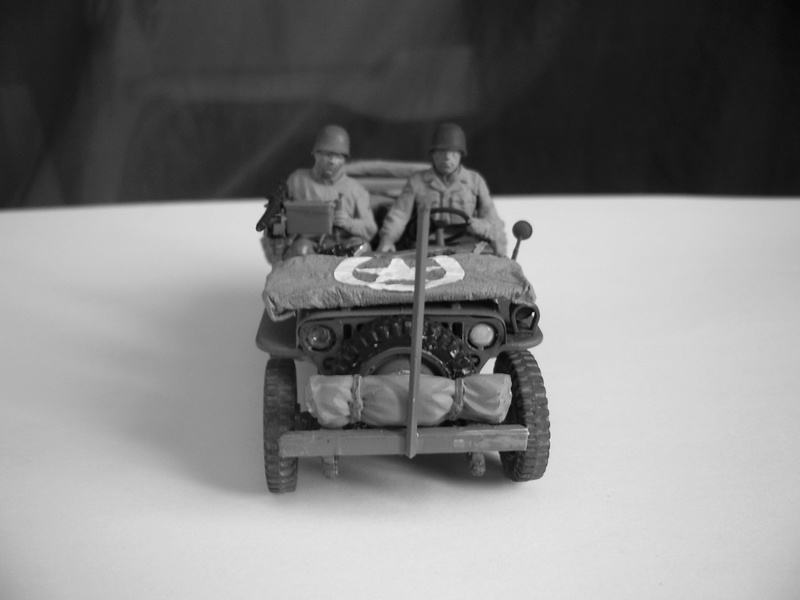 Jeep reco Italeri et figurines Miniart 1/35 Jeep_r10