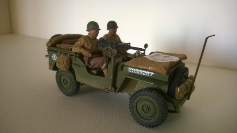 Jeep reco Italeri et figurines Miniart 1/35 Jeep_r12