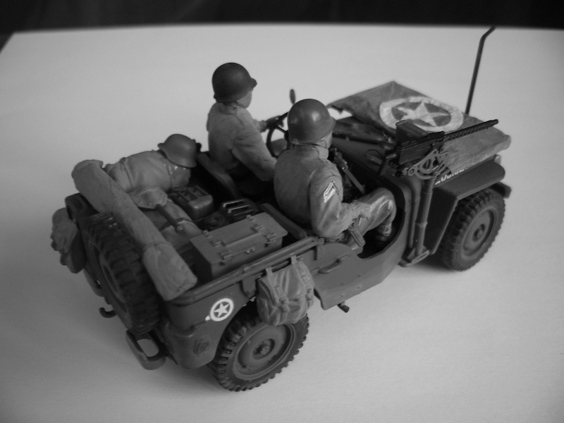 Jeep reco Italeri et figurines Miniart 1/35 Jeep_r14