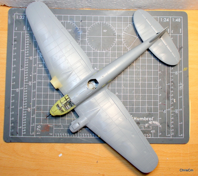 "[Hasegawa] Heinkel He 111 H6 ""TORPEDO BOMBER""  - Page 3 Dscn0729"