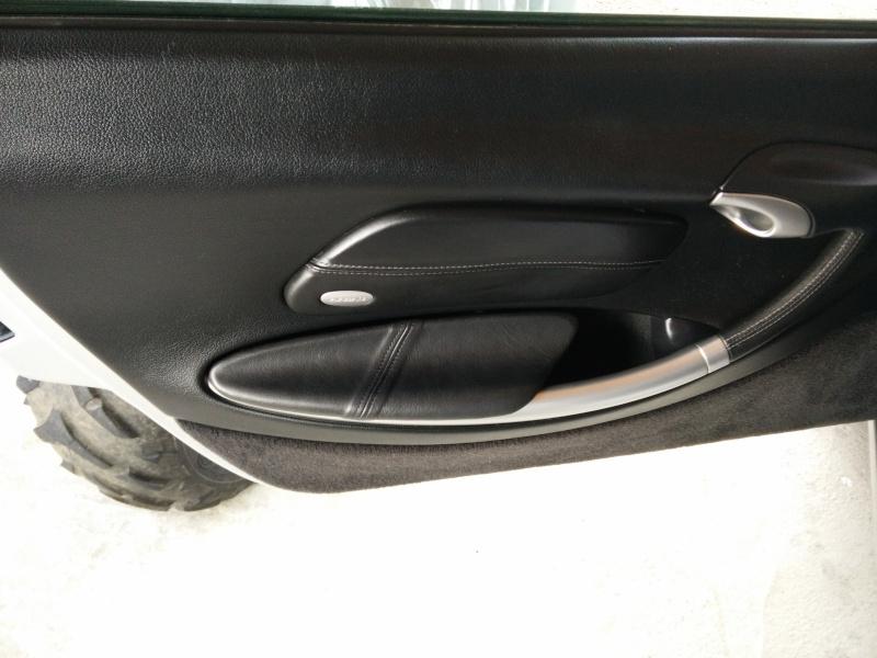 Comment mettre du cuir sur l'accoudoir d'un Boxster 986 - Tutoriel vidéo Img_2012