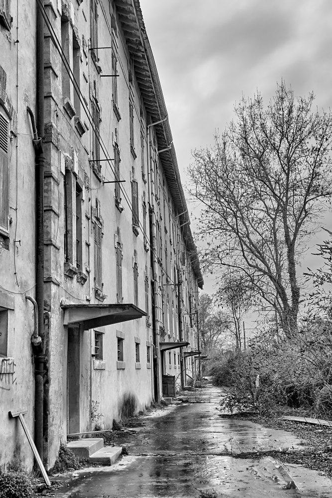 La cité blanche - Le Teil (07) - 02/02. Série.  Az3j2211