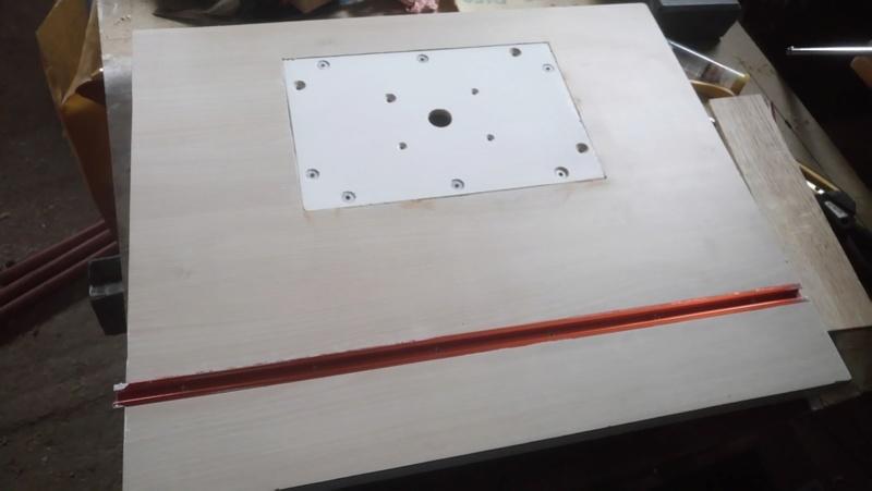 Ma Table de Défonceuse Dsc_0213