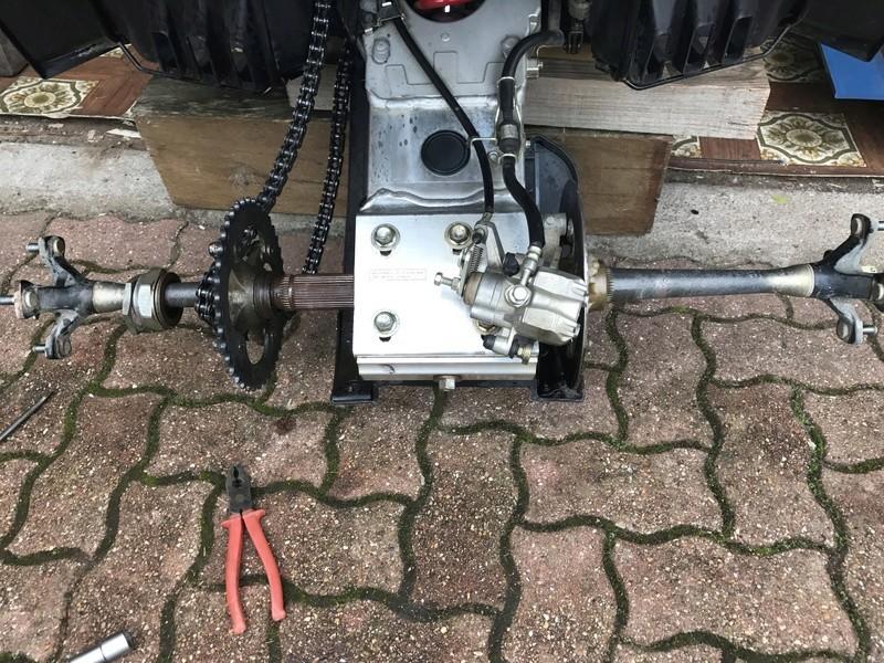 [Tuto] [400 Ltz] Changer les roulements arrière 400 ltz k9 Img_2428