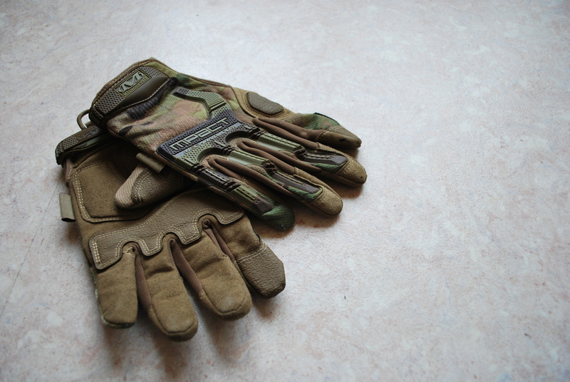 [VENTE] ACCESSOIRES AK / Tenue vegetato / M-PACT Mechanix- Multicam / MP5 Cyma / M4 / Ak74u / Beretta & stuff Dsc_0422