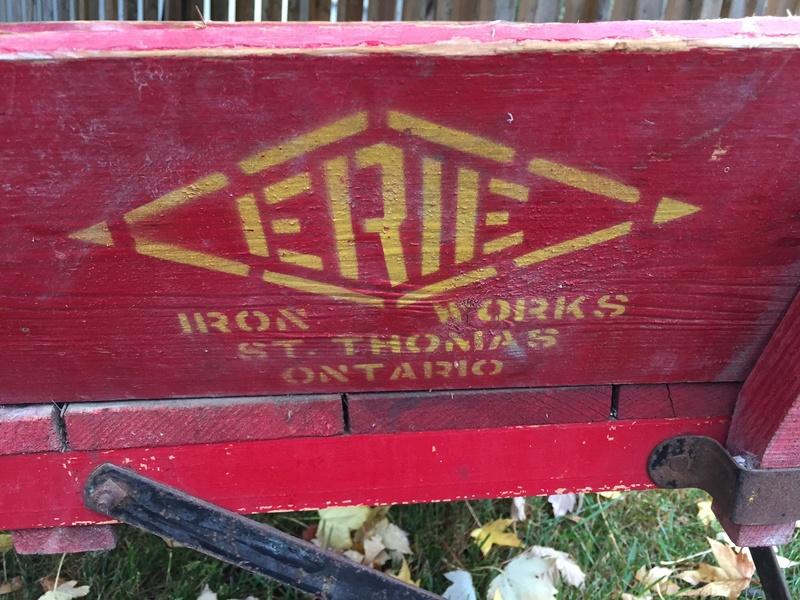 Brouette en bois Erie - 150$ (VENDUE) Img_2210