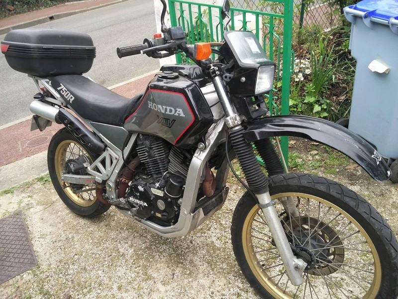 réservoir - Vente moto en pièces Img_2010
