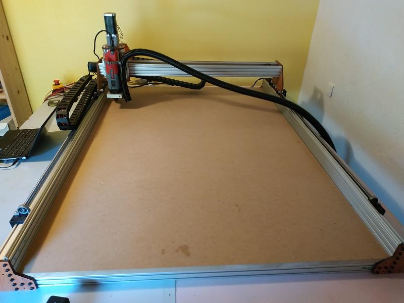 Plusieurs outils à vendre (des nouveautés avec une fraiseuse numérique et un graveur laser CO2) Omm110